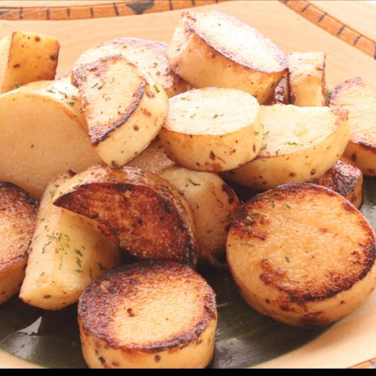 長芋をバター醤油で焼いただけ