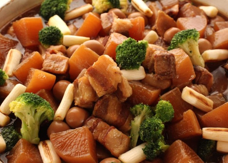 野菜と食べる豚の角煮