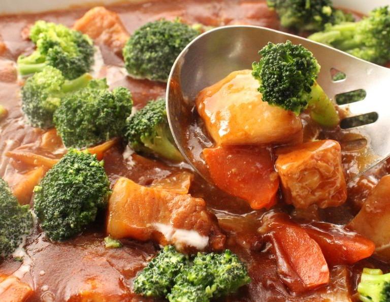 トロ旨お肉と野菜のポークシチュー