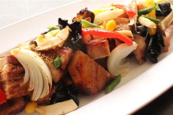 真空調理の豚肉照り焼きと秋野菜のグリル