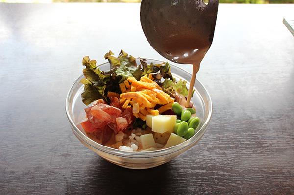 スープで食べるチョップドサラダ